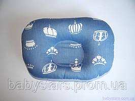 """Дитяча подушка для новонароджених """"Корони на синьому"""""""