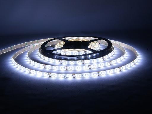 Премиумная белого цвета LED лента 5050-60 водозащитная(IP65)