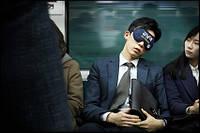Cheil Worldwide и Burger King придумали маску для сна в метро