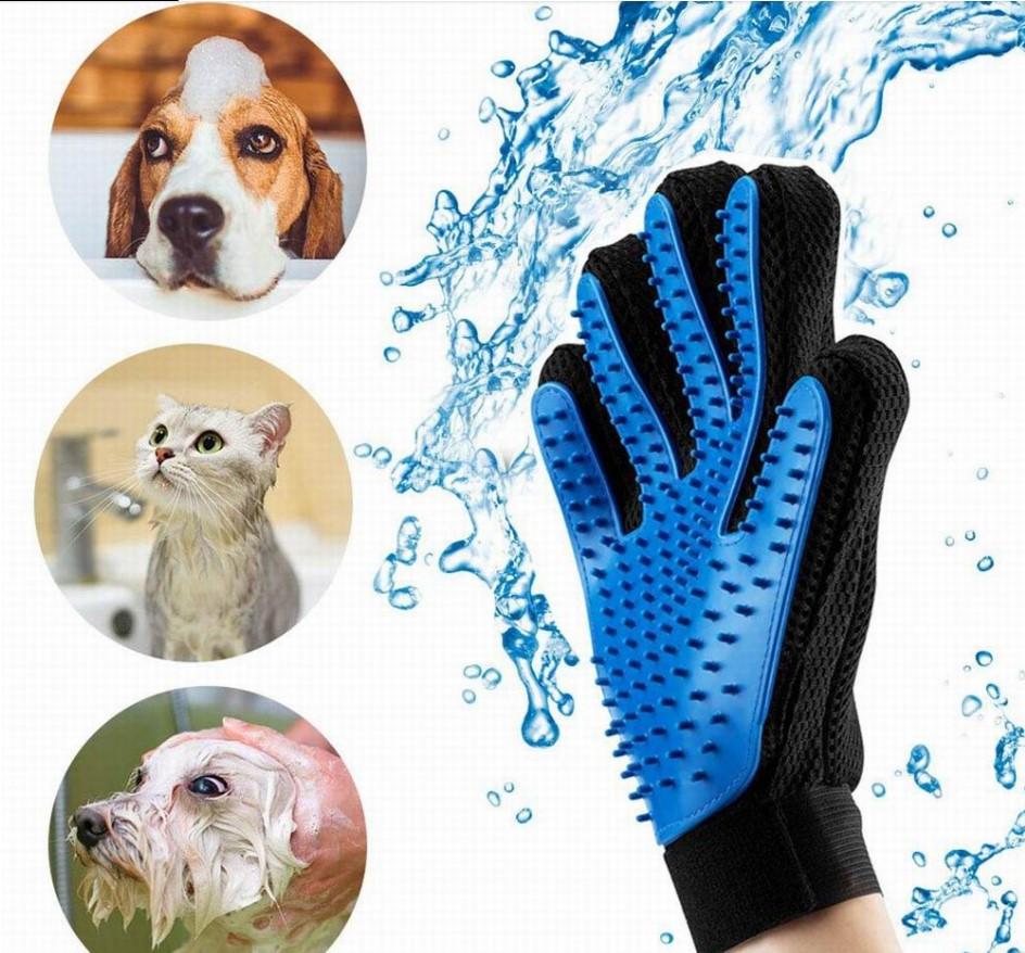 Перчатка для легкого вычесывания шерсти True Touch синяя