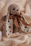 Коричневый декоративный заяц ушастик Биг с сердечками на ушах