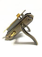 Врезной замок с ручками для межкомнатных дверей UNILOCK 58160 AB