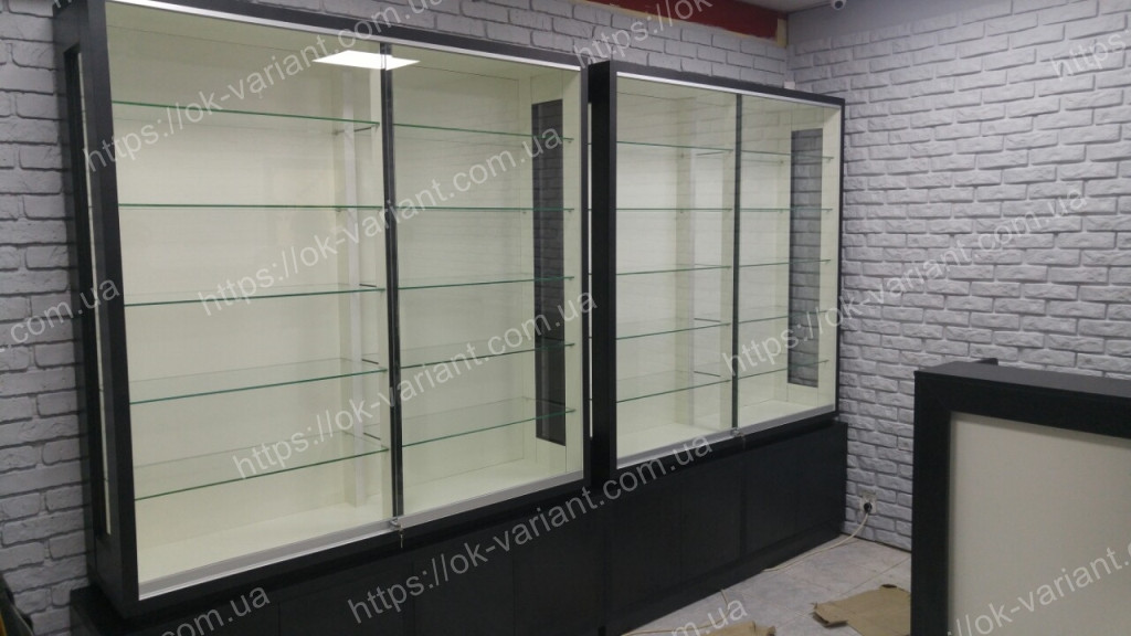 Витрина стеклянная люкс