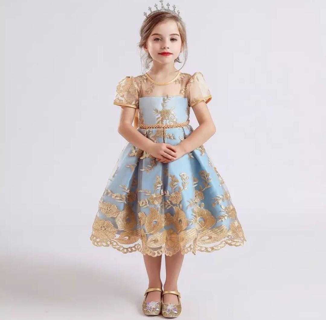 Платье золотое с голубым за колено нарядное для девочки