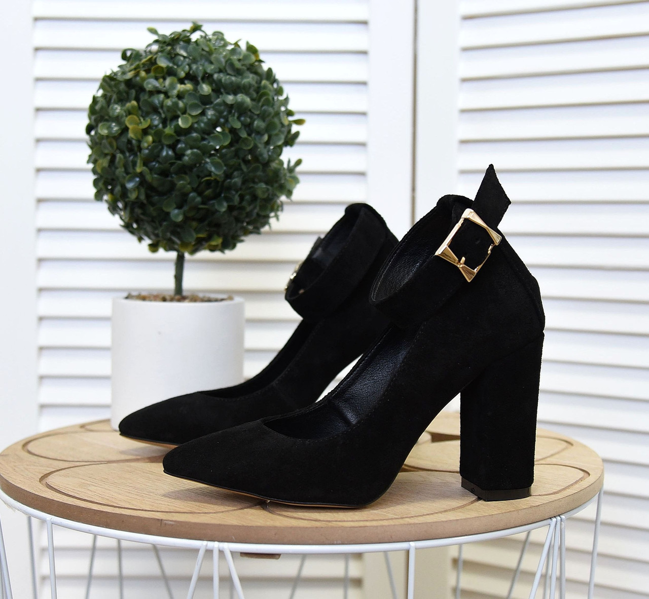 Замшевые туфли на устойчивом  каблуке 35-40 чёрный
