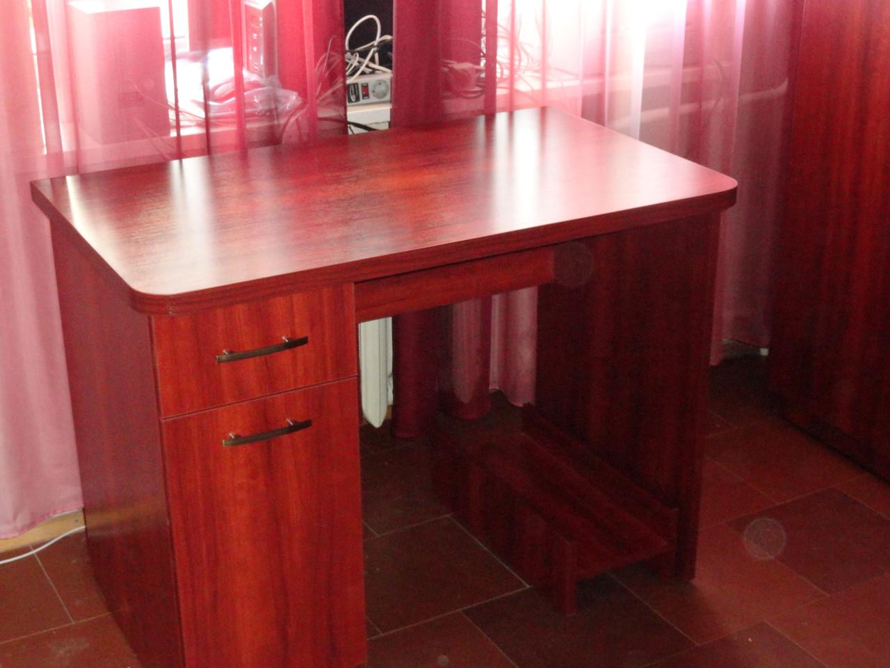 Компьютерный стол с книжным шкафчиком