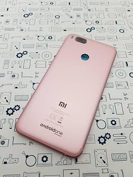 Крышка Xiaomi Mi A1 розовое золото с кнопками и стеклом камеры Сервисный оригинал новый