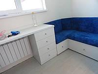 Угловой писменный стол в детскую, фото 1