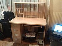 Компьютерный стол компактный