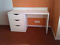 Белый писменный стол для ребенка