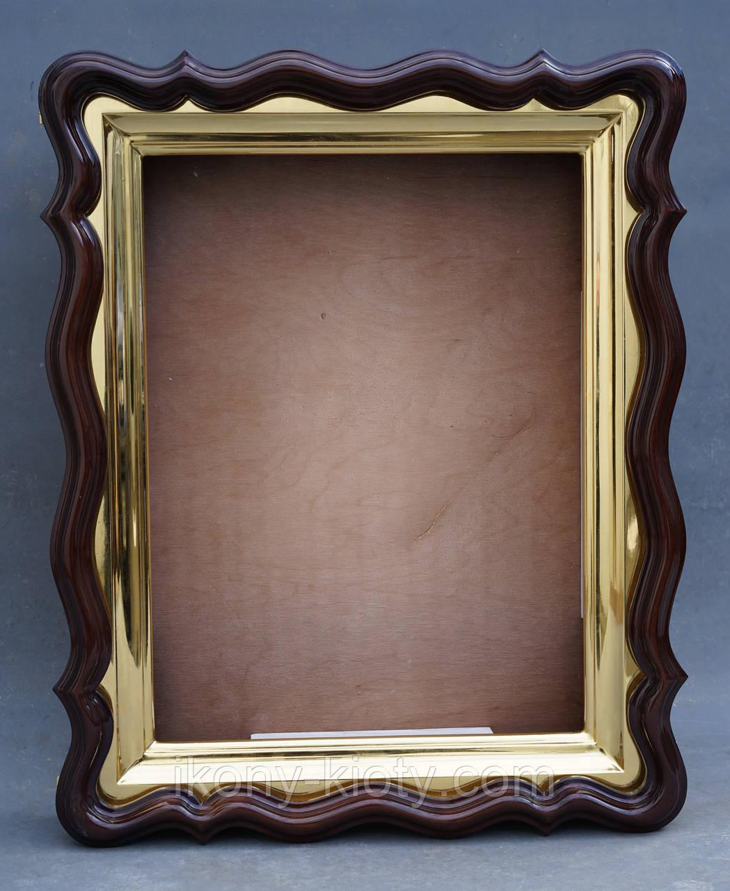 Фигурный киот для иконы формата 30х40см с внутренней золочёной рамой.