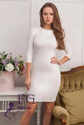 Простое белое (молочное) платье короткое в обтяжку
