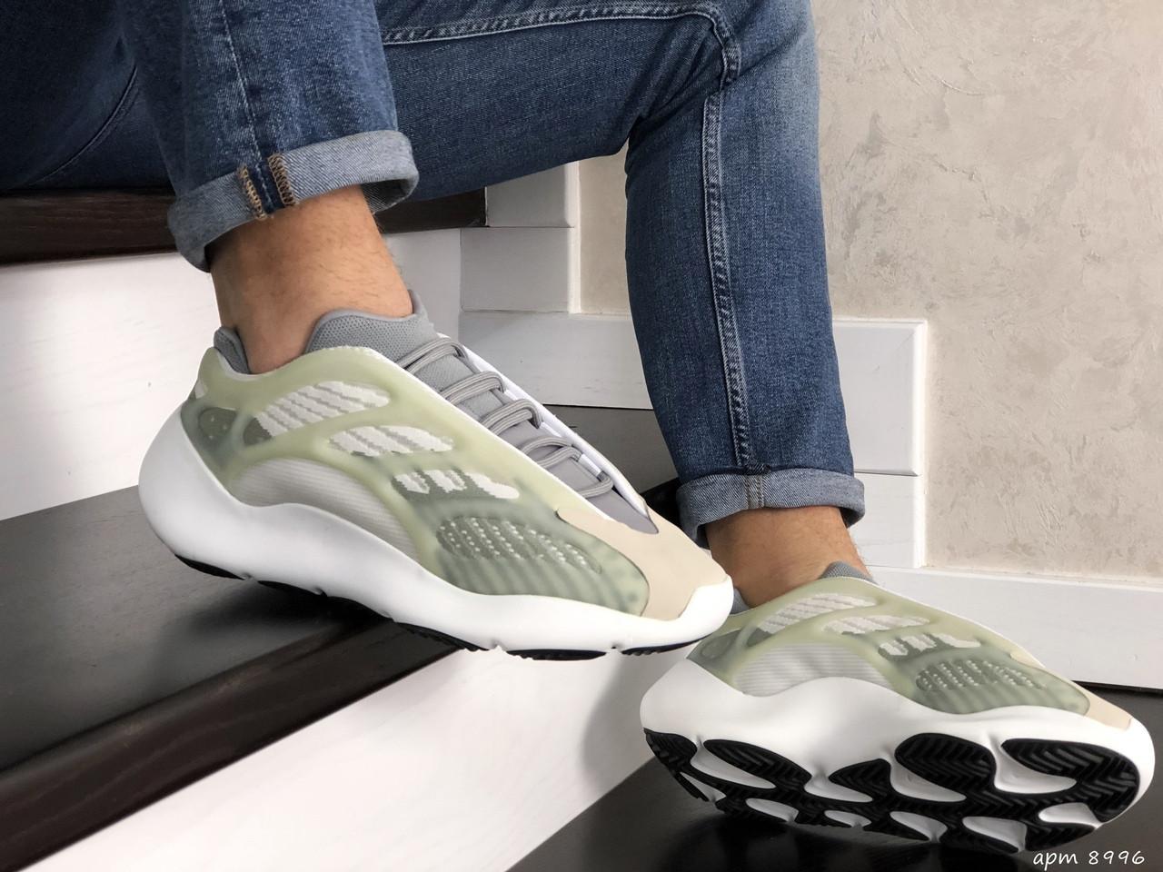 Мужские кроссовки Adidas Yeezy Boost 700 V3 (бежевые) 8996