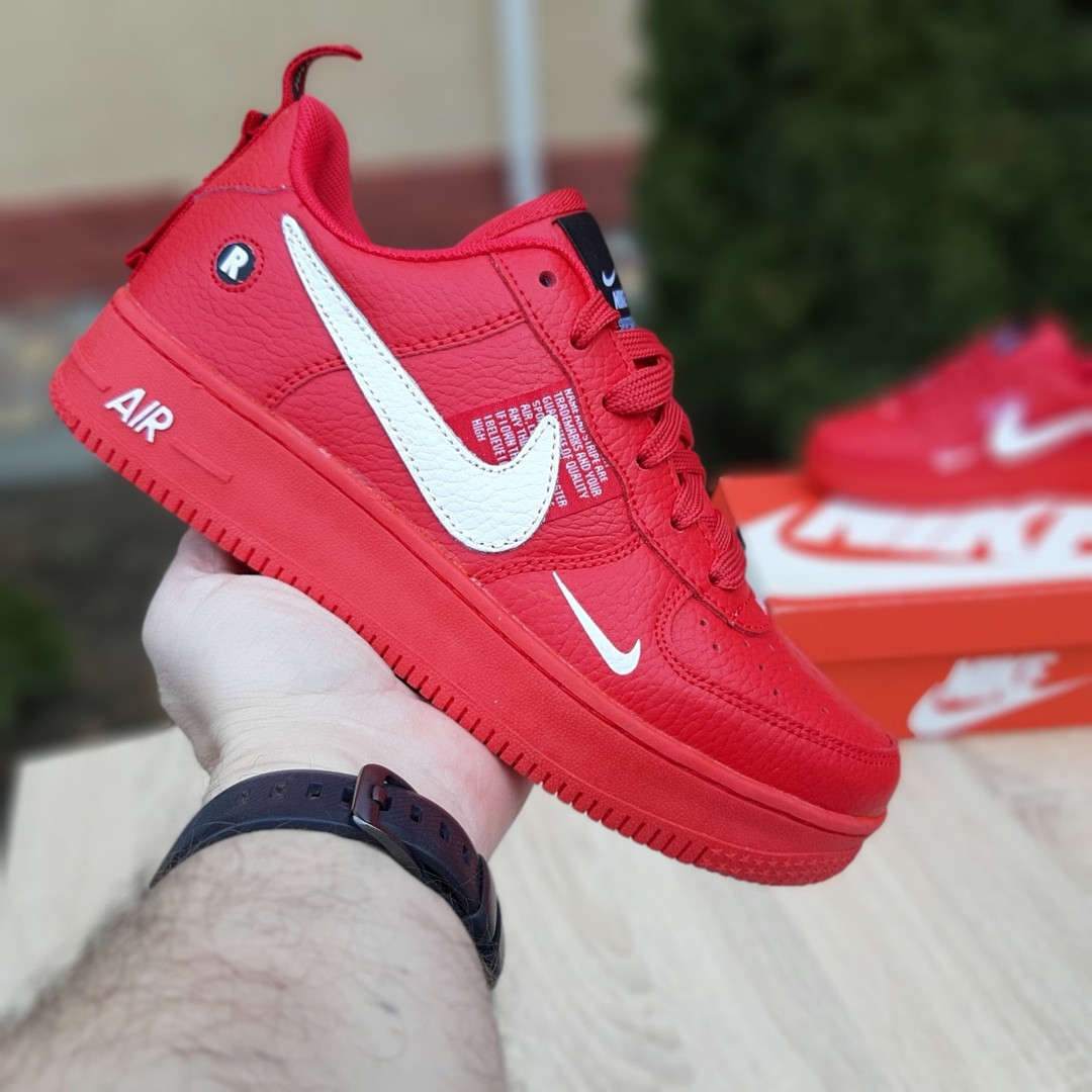 Женские кроссовки Nike Air Force 1 LV8 (красные) 2995