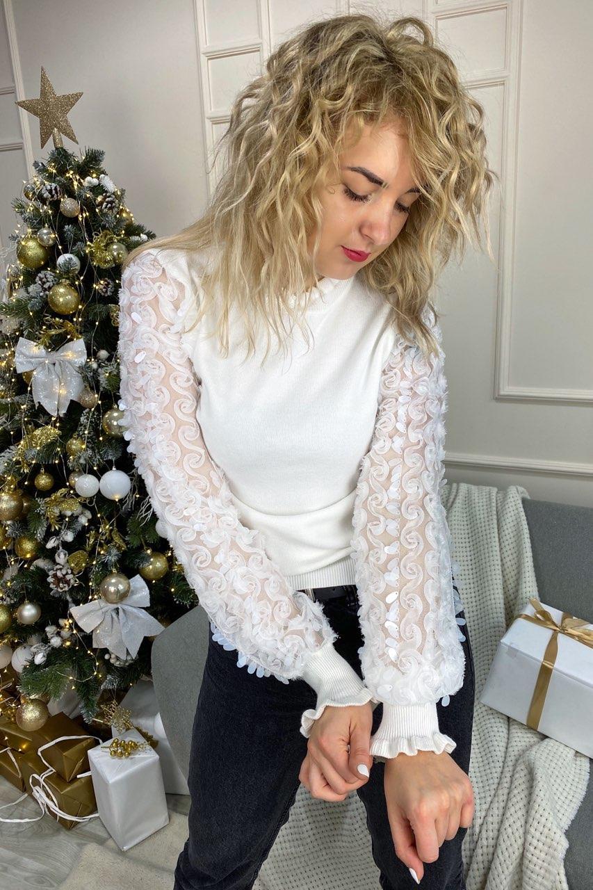 Нарядный свитер с оригинальными объемными рукавами декорированными фатиновой вышивкой и пайетками May - белый цвет, L (есть размеры)