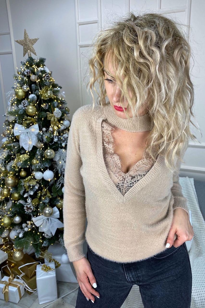 Стильный ангоровый свитер с декольте декорированным французским кружевом  Lovie Look - кофейный цвет, S (есть размеры)