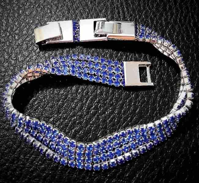 Браслет женский фирмы Xuping/Цвет: серебряный. Камни: синий циркон.  Длина 18-20 см. Ширина: 9 мм.