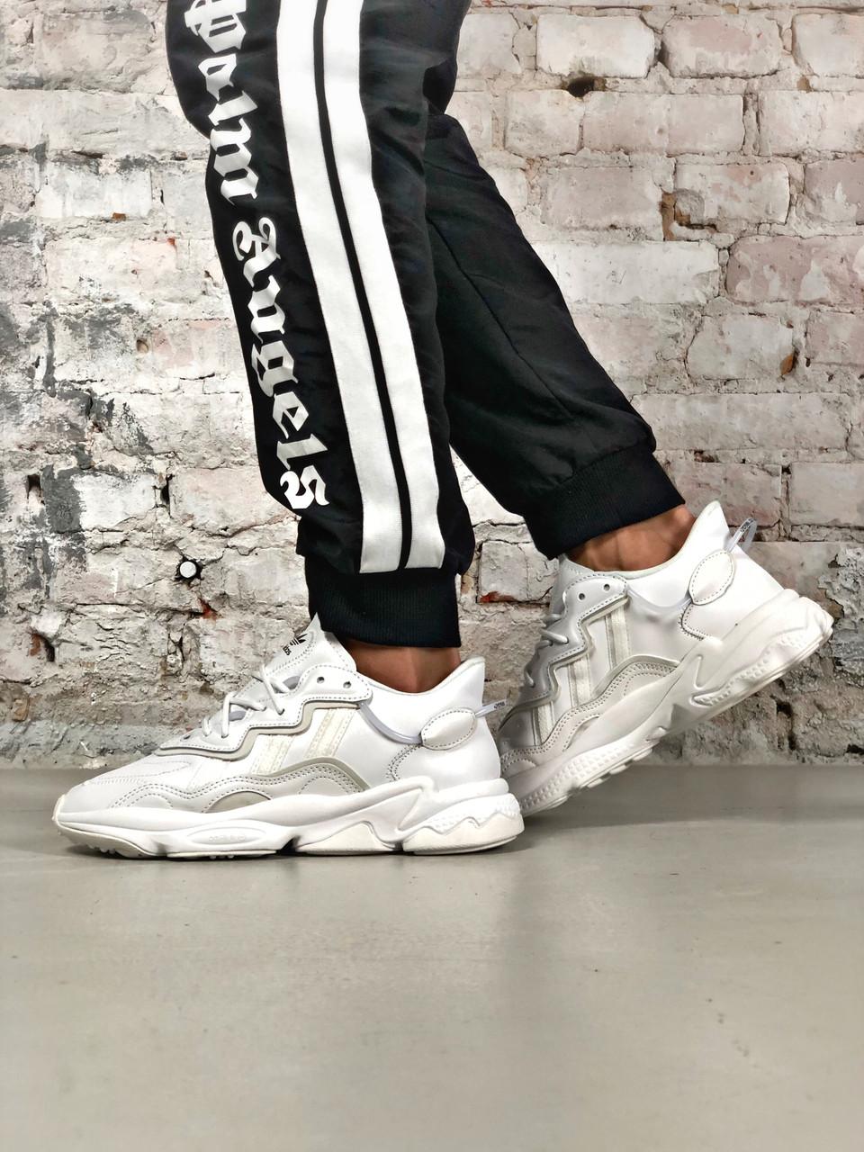 Стильные кроссовки Adidas OZWEEGO