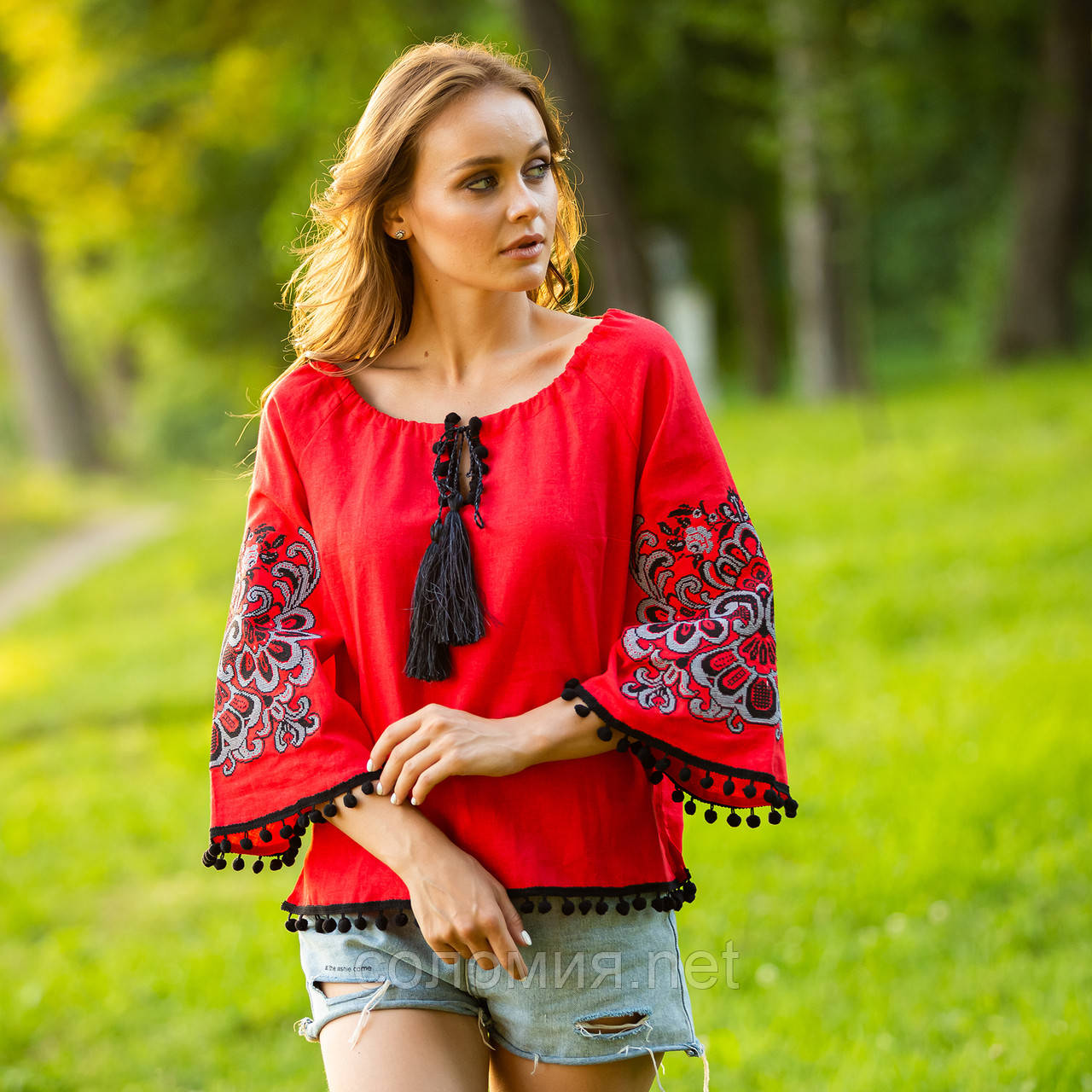Эффектная женская вышитая блуза. Вышиванка