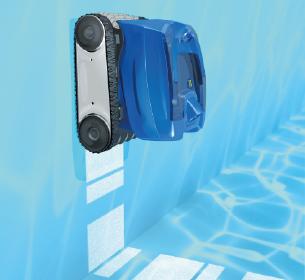 процесс уборки роботами-пылесосами Zodiac серии Tornax в бассейне