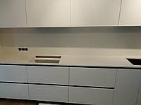 Кварцевая кухонная столешница из камня Caesarstone 5141