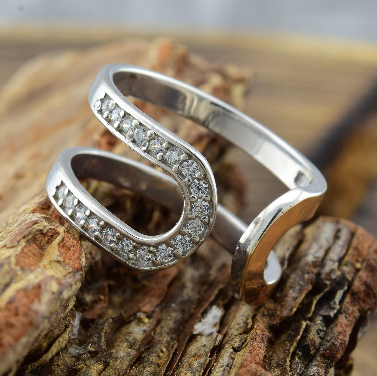 Серебряное кольцо с золотом Эдем вставка белые фианиты вес 2.9 г размер 19