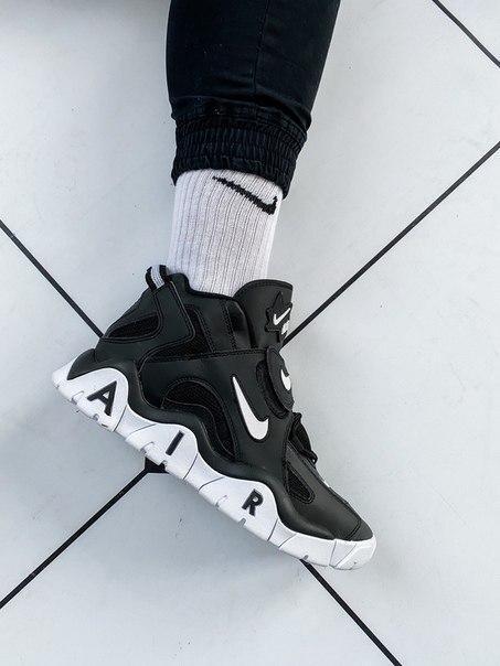 Мужские кроссовки Nike Air Barrage Mid QS UniversityMid Black White