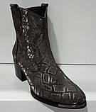 Казаки демисезонные на удобном каблуке из натуральной кожи от производителя модель КС9090-3, фото 4