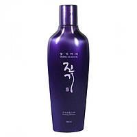 Шампунь для нормальных и жирных волос склонных к выпадению Daeng Gi Meo Ri Vitalizing Shampoo, 145 мл
