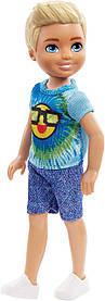 Кукла Barbie Club Chelsea Мальчик в футболке со смайликом FRL83