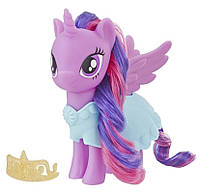 Игровая фигурка Hasbro My Little Pony Твайлайт Спаркл с одеждой и аксессуаром (E5551-E5611)