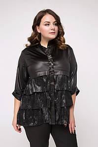 Черная батальная блуза под кожу с многоярусной баской по переду (Жардина lzn)
