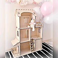 Деревянный домик для Барби с мебелью.