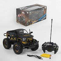 Джип для мальчиков на радиоуправлении аккумулятор 6V, свет фар, двери открываются с пульта, в коробке.