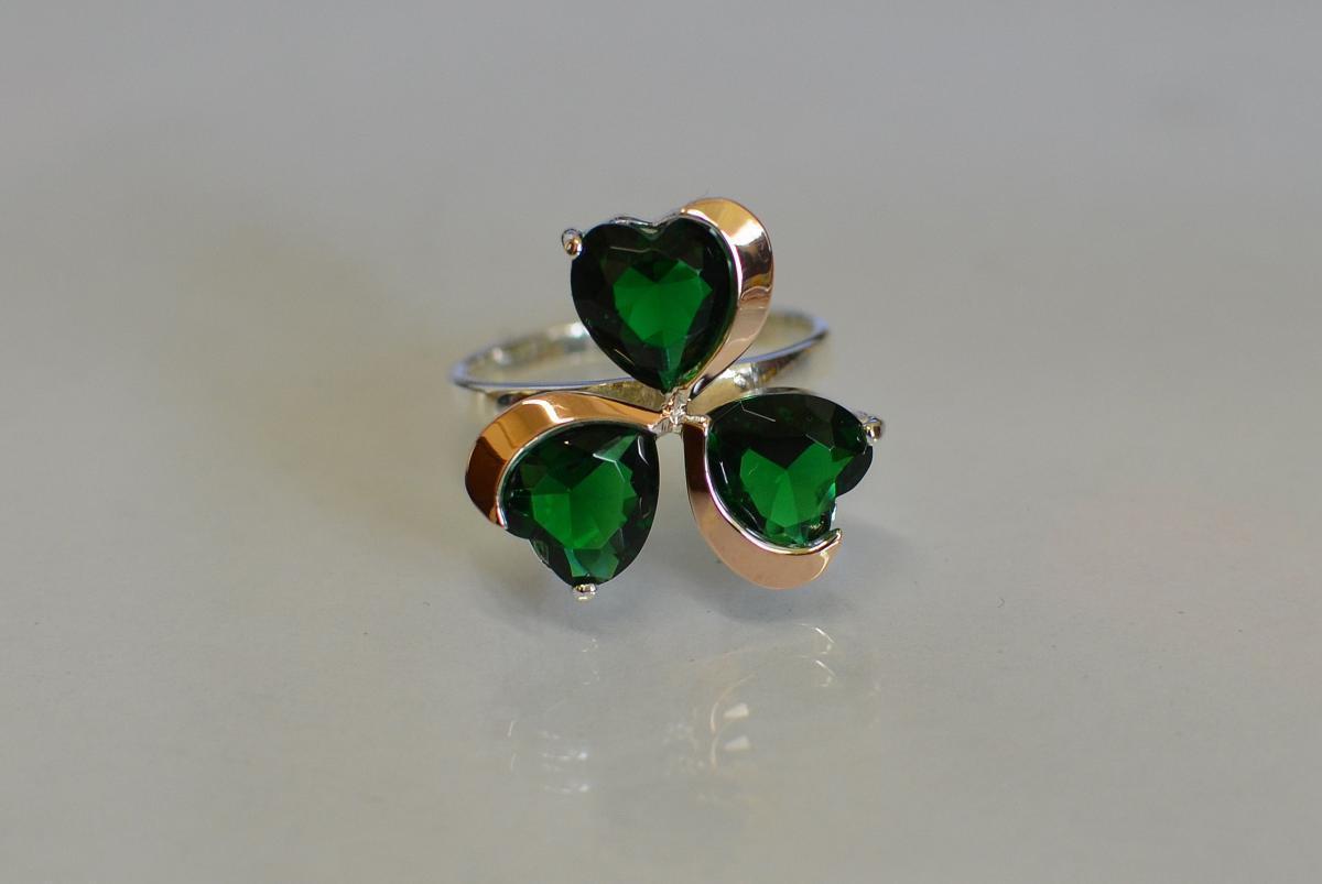 Серебряное кольцо с пластинами из золота 061к 15 Зелёный