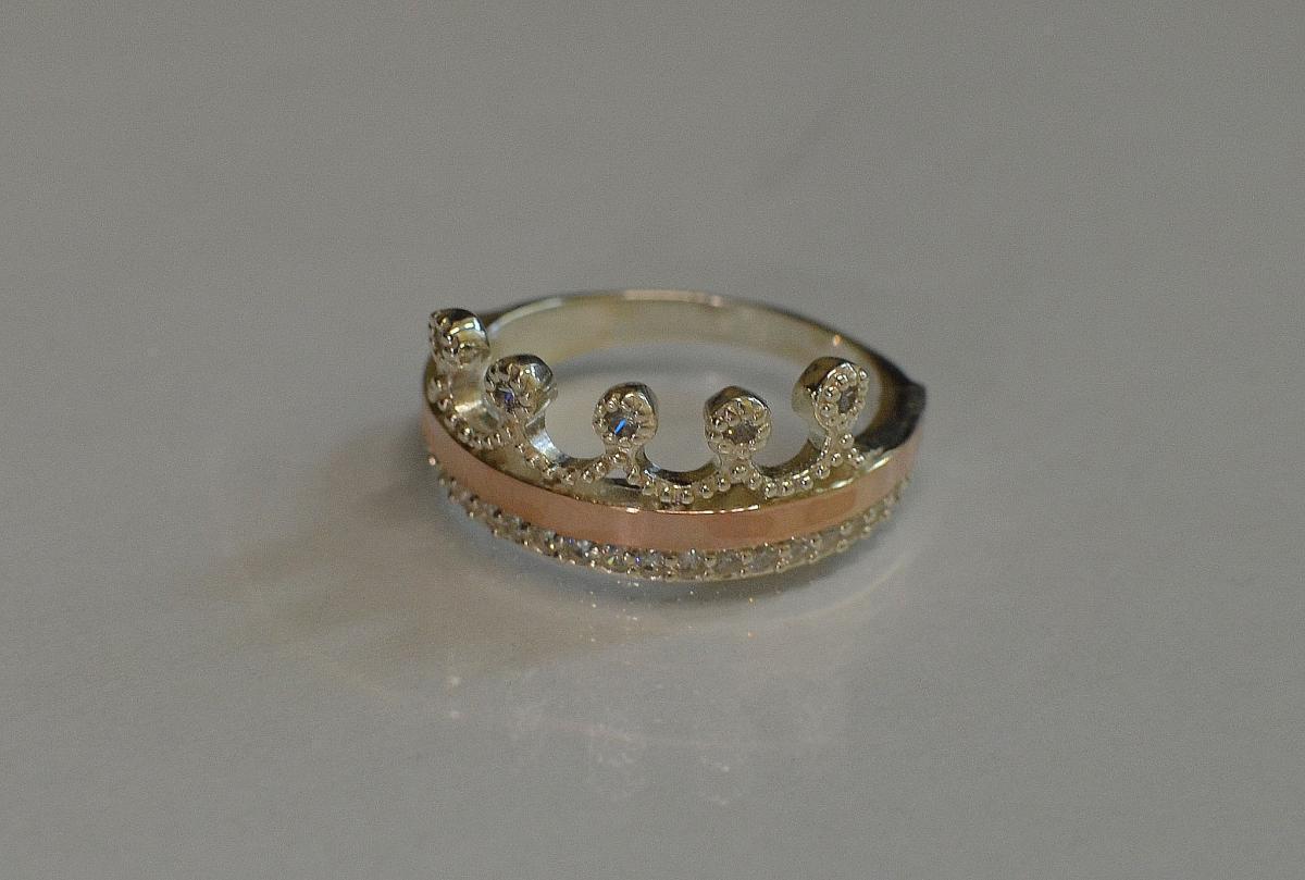 Серебряное кольцо с напайками из золота 016к 15