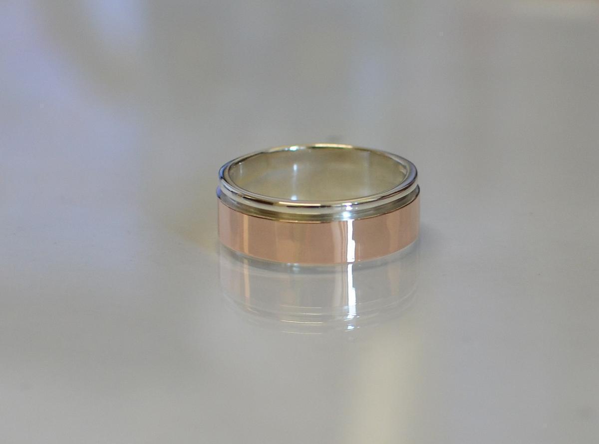 Серебряное обручальное кольцо с золотом Обр10 15