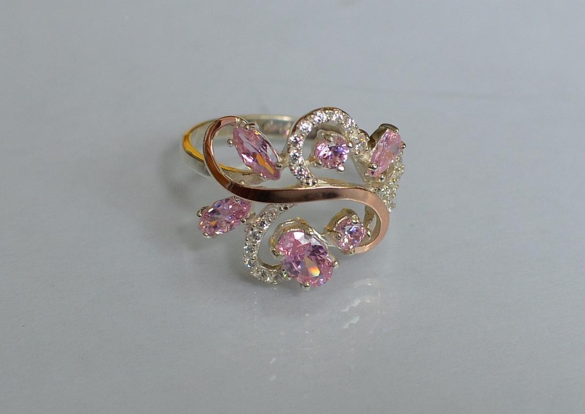 Серебряное кольцо с золотыми вставками 151к 15 Розовый