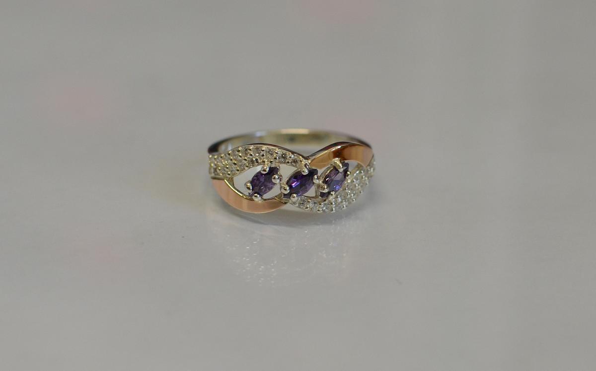 Серебряное кольцо с золотыми пластинами 120к 15 Аметист