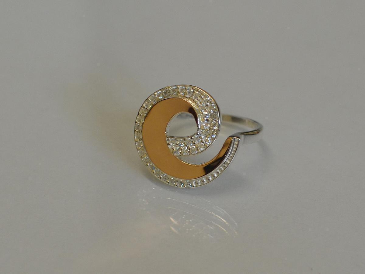 Кольцо серебряное с золотом 095к 15