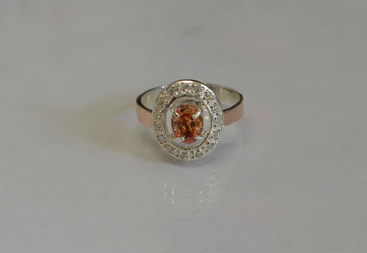 Серебряное кольцо с золотыми пластинами 023к 15 Шампань