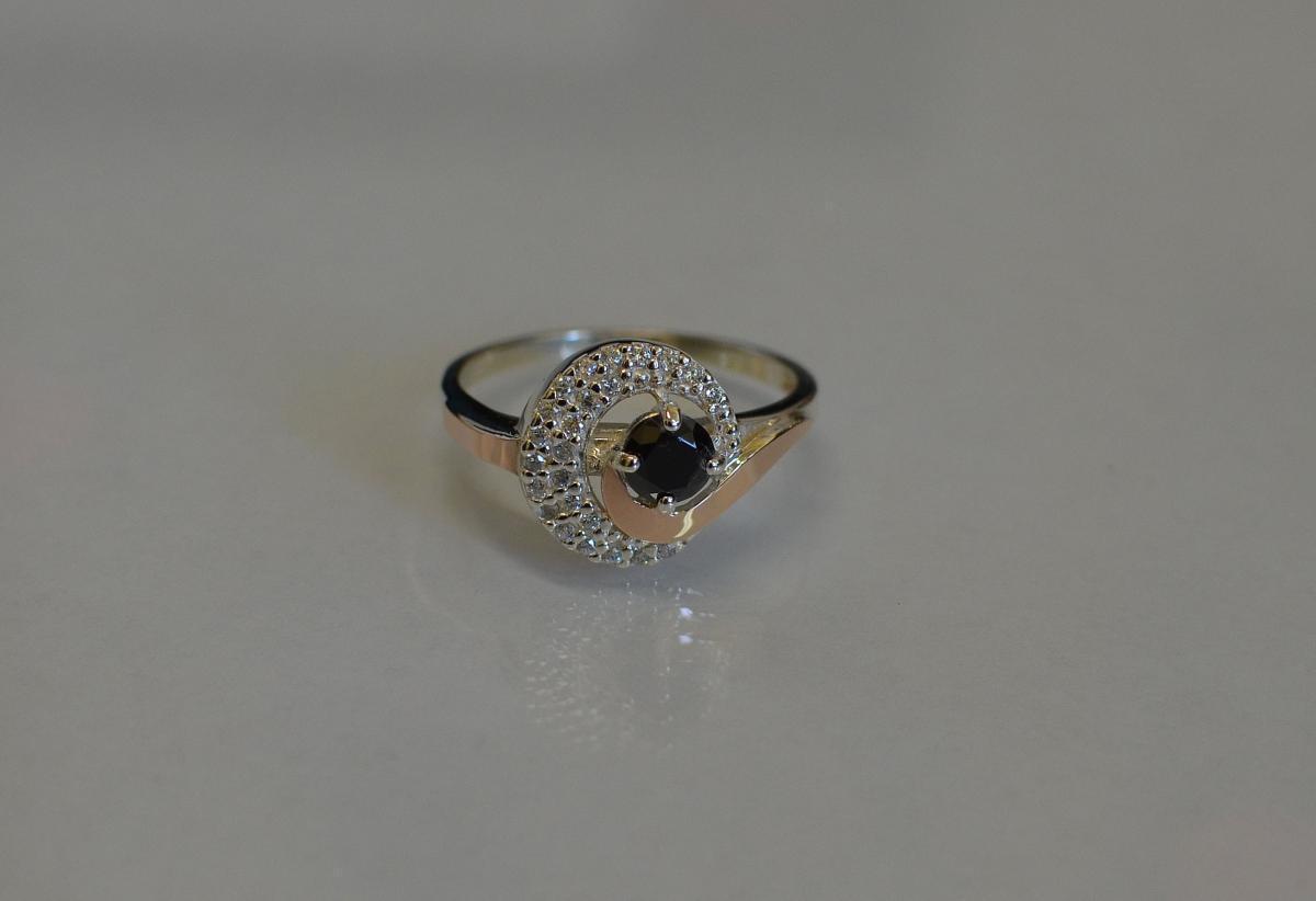 Серебряное кольцо с золотыми напайками 064к 15 Черный