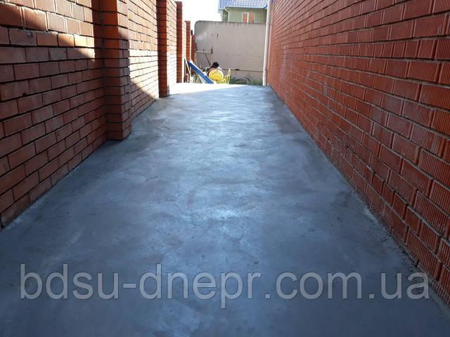 Бетонирование площадки перед гаражом в Днепропетровске