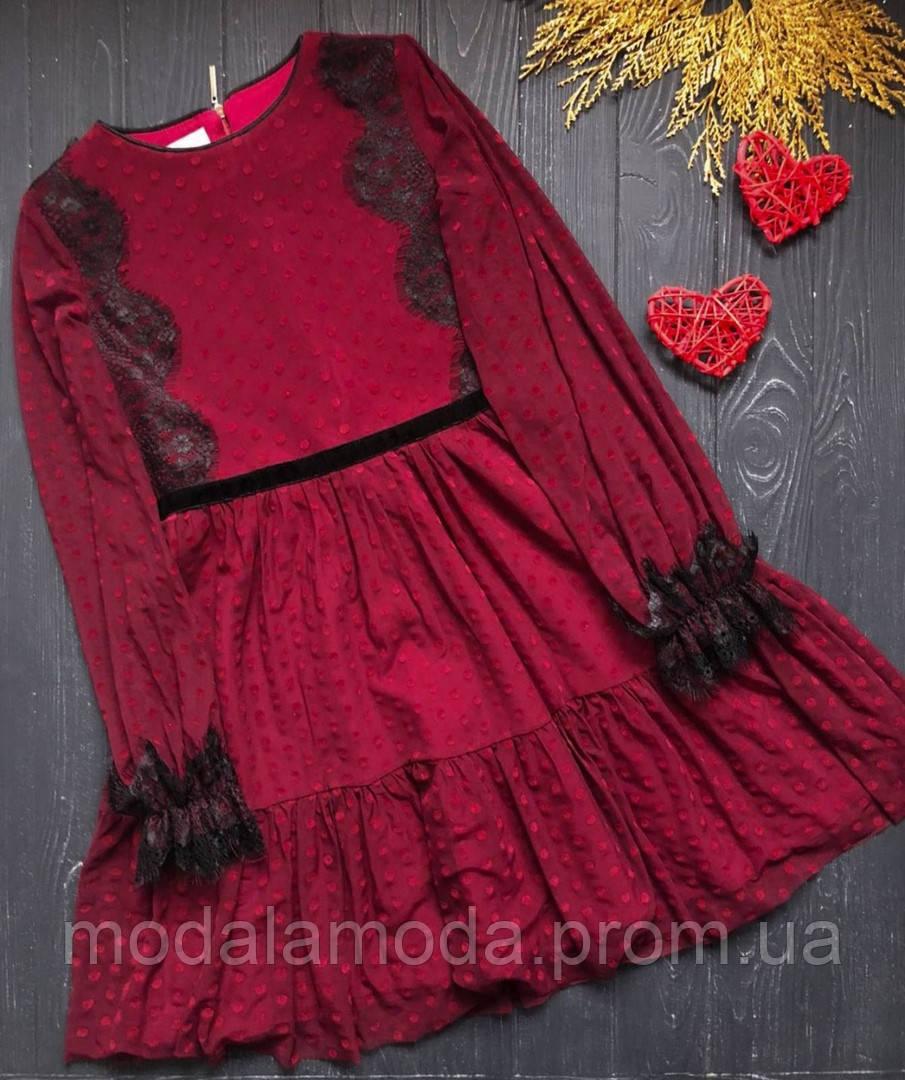 Платье с красивым фатиновым кружевом