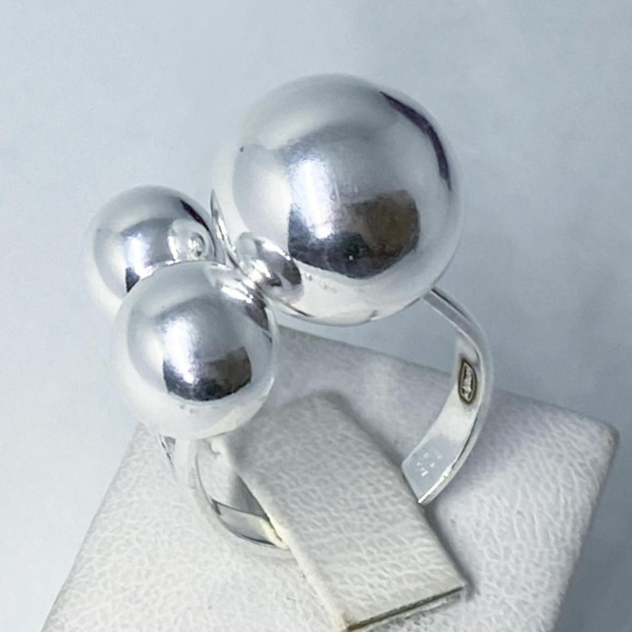 Кольцо из серебра 925 Beauty Bar 3 шара (размер 18,5-19)