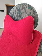 Подушка на подголовник красная