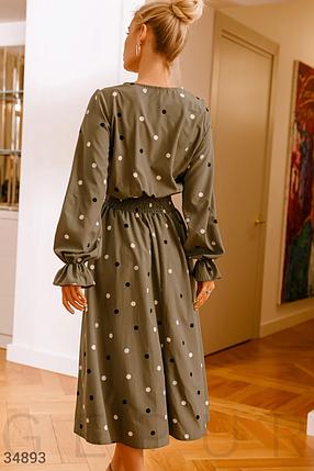 Стильное платье глубокий v-образный вырез юбка-клеш в легкую складку хаки, фото 2