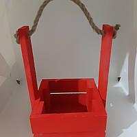 Деревянный ящик красный