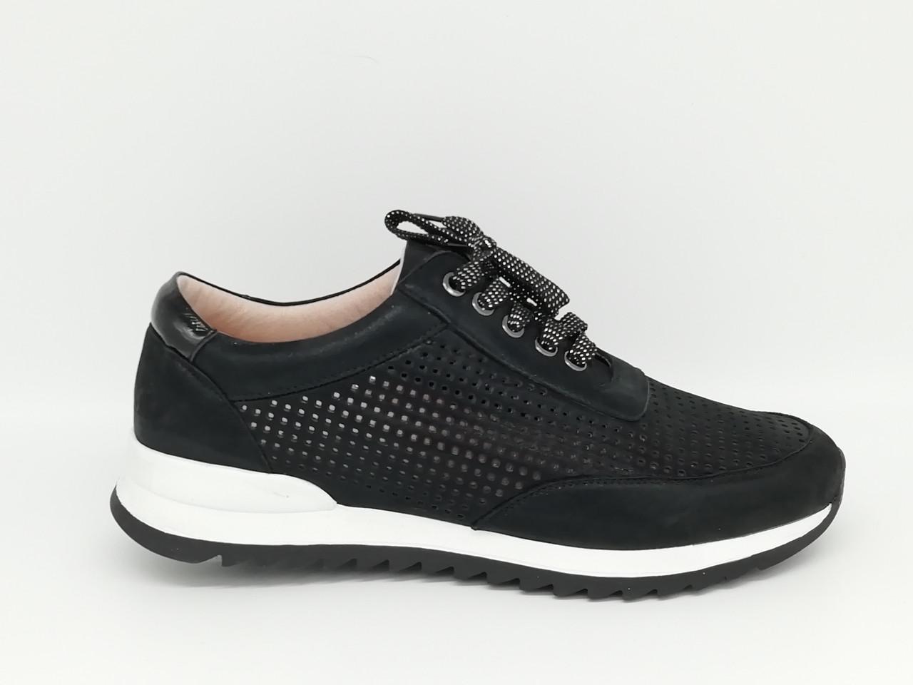Летние туфли с перфорацией на танкетке. Кроссовки сникерсы. Erisses. Большие размеры ( 41 - 43 ).