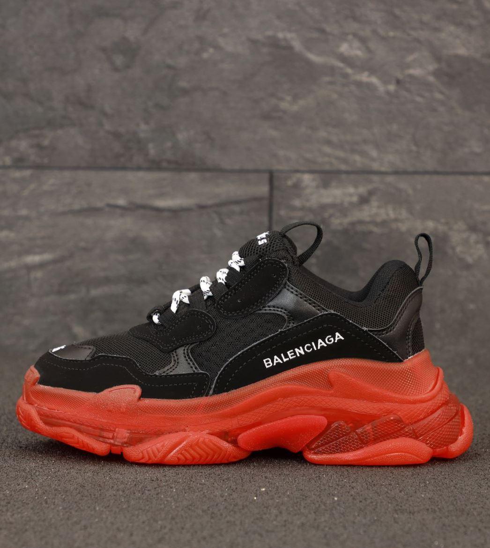 Женские кроссовки Balenciaga Triple S Black/Red (Баленсиага Трипл С черные с многослойной подошвой)